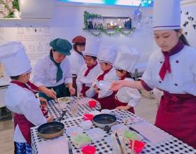 松戸市八ヶ﨑で子ども料理教室《まじかるれっすん》新井教室を運営中のさや先生が、松戸本校へ見学に来てくれました(^^♪