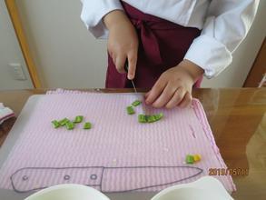お野菜はどのくらいの大きさに切ろうかな~?